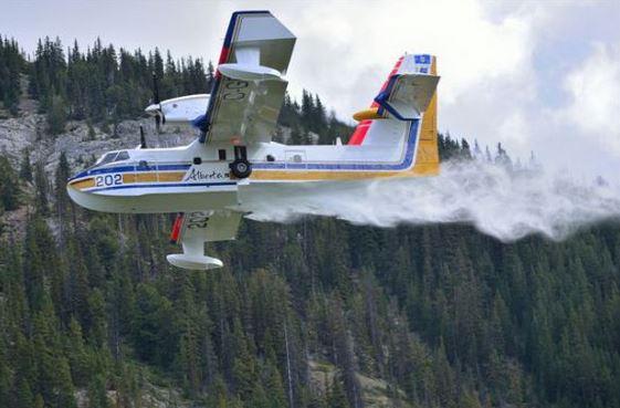 Alberta-air-tanker-202